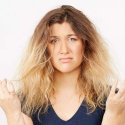 چگونه از موهای خشک و شکننده مراقبت کنیم؟ | پزشکی